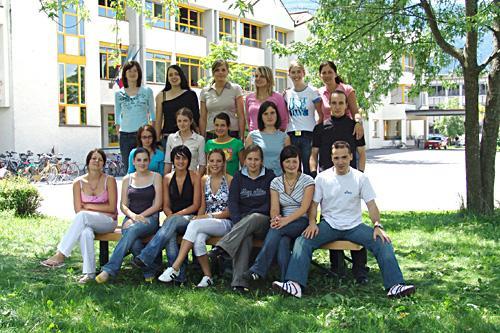 Maturanten der Klasse 5B HOB - Schuljahr 2004/05